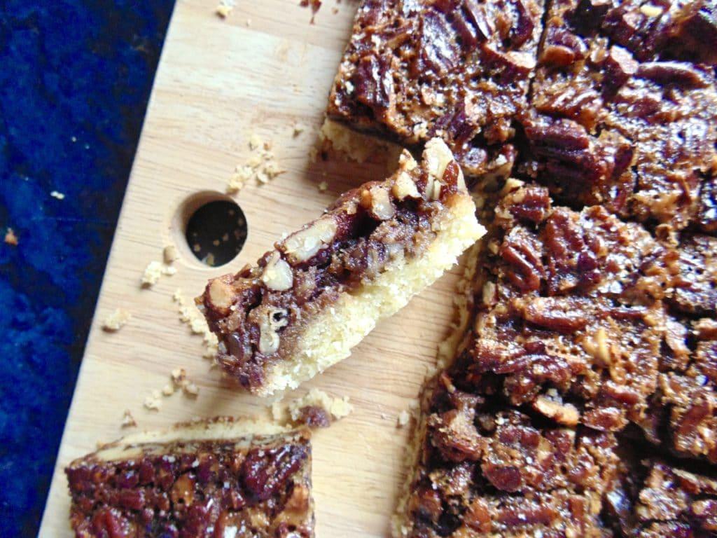 salted pecan pie shortbread bars