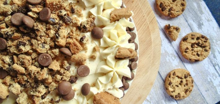 vanilla chocolate chip cookie dough cake
