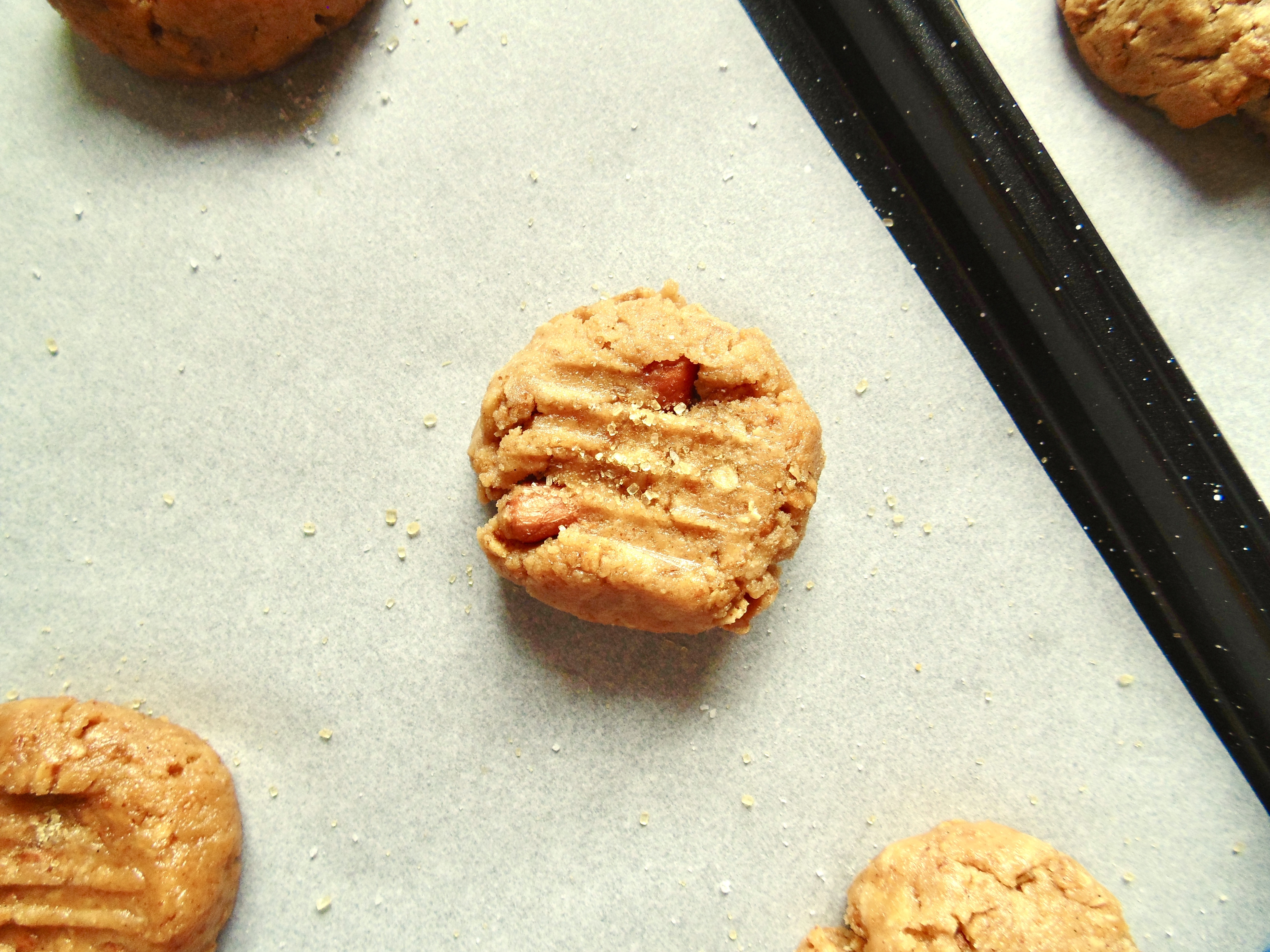 Flourless Salted Peanut Butter Crunch Cookies