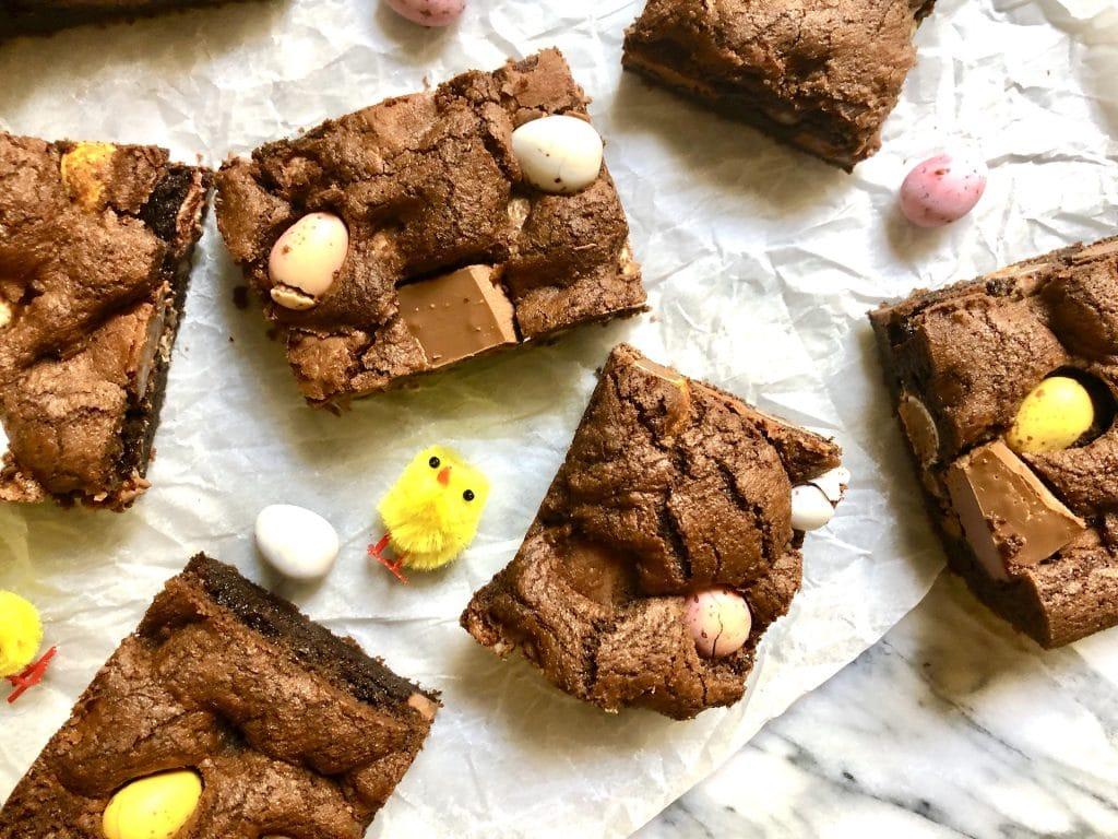mini egg chocolate cookie bars