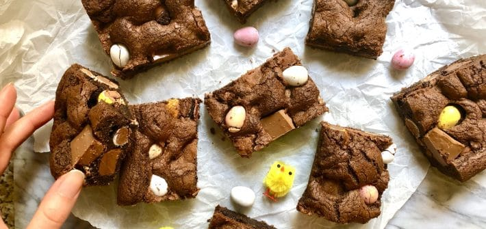 mini egg chocolate cookie bars